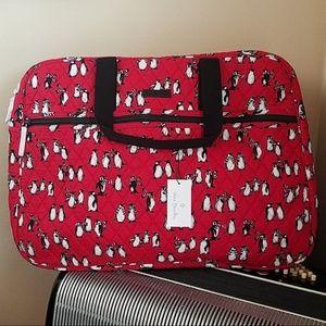 NET-VERA BRADLEY RED PENGUIN GRAND TRAVELER BAG